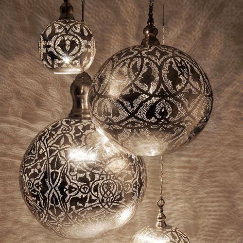 lamparas de inspiracion arabe lamps of arabic inspiration. Black Bedroom Furniture Sets. Home Design Ideas