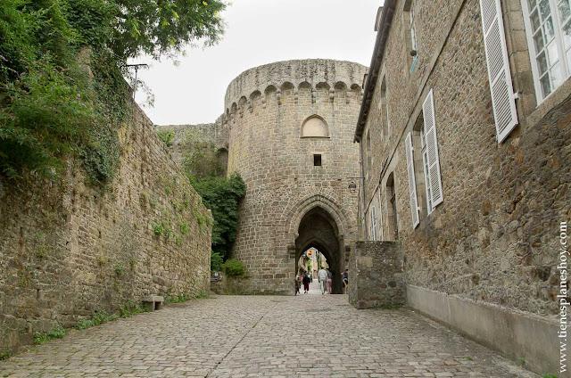 Dinan Puerta Jerzual viaje Bretaña francesa 17 dias