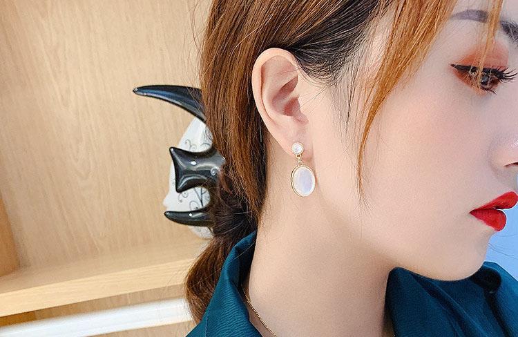 薇娜絲人造蛋白石耳環