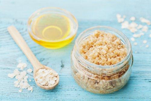 Comment préparer à la maison un gommage naturel au sucre ?