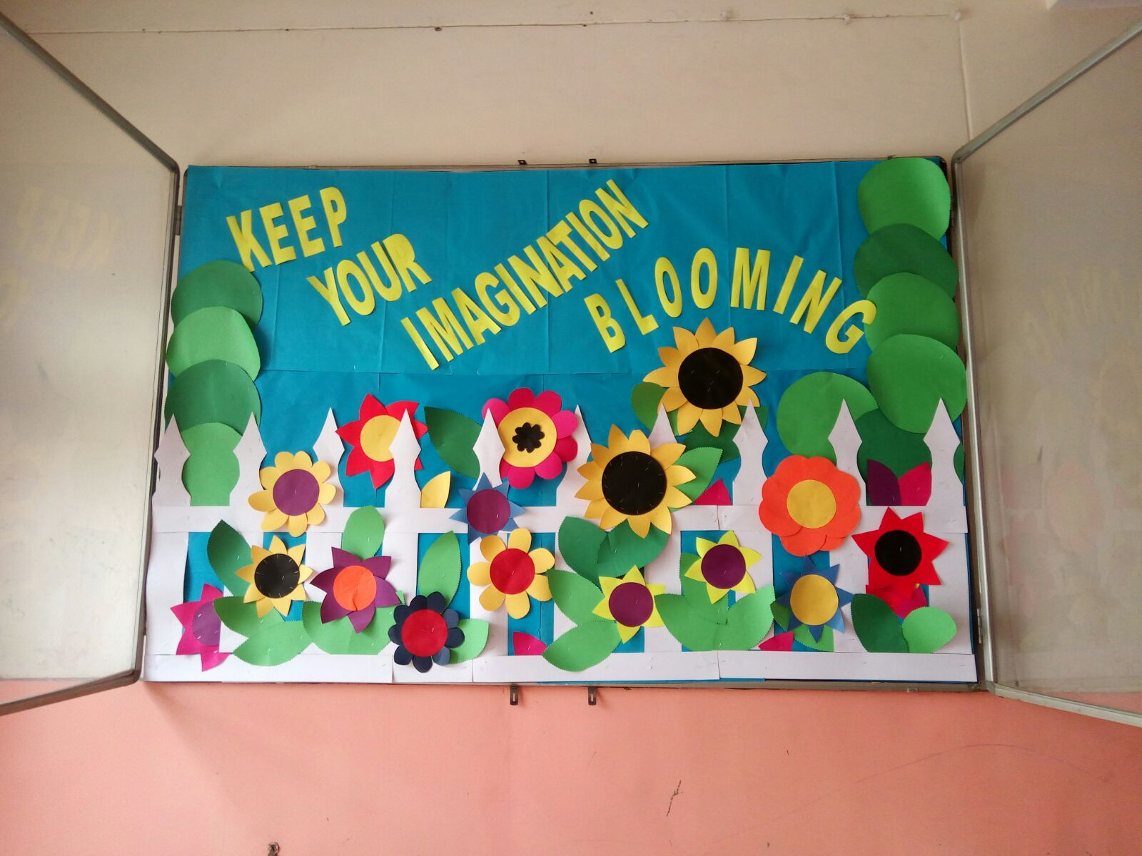 Art craft ideas and bulletin boards for elementary for Back to school decoration ideas for teachers