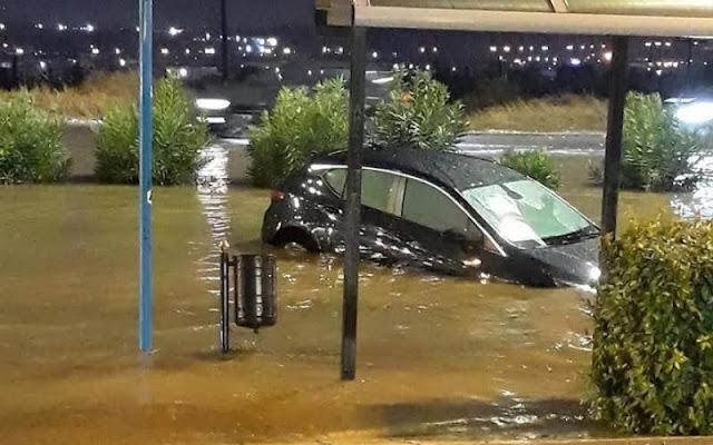 Πλημμύρισαν δυο αίθουσες σε σχολείο στο Ωραιόκαστρο