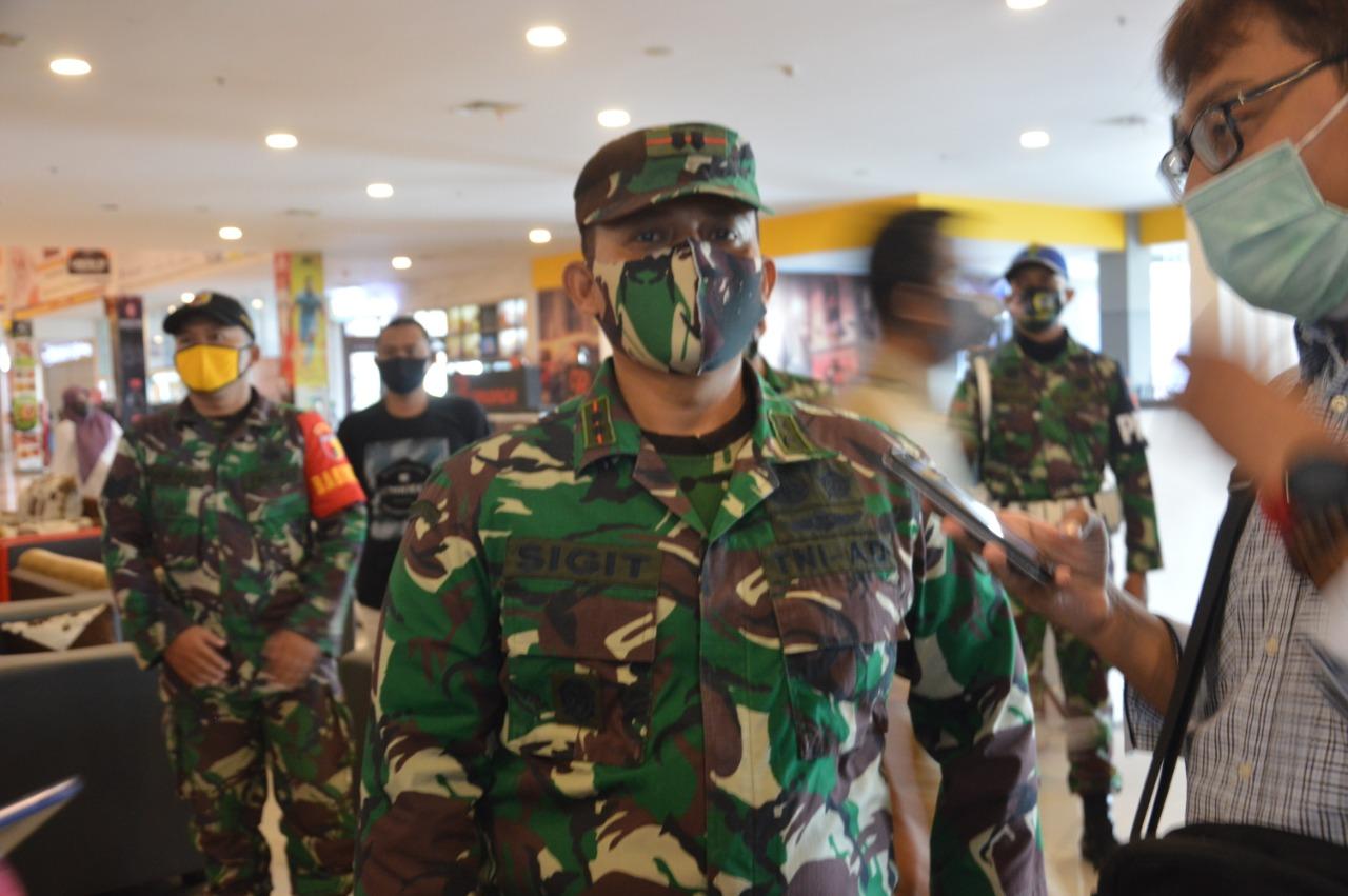 Persiapan Hadapi Normal Baru, Dandim Ponorogo Bersama Aparat Terkait Berikan Sosialisasi Kepada Masyarakat
