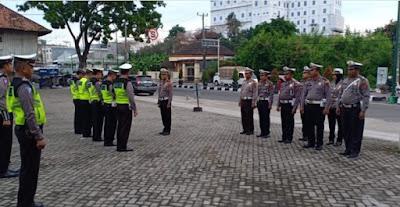 Kasatlantas Polresta Jambi Pimpin Apel Pagi Dan Laksanakan Pengecekan Kelengkapan Pribadi  Personil Satlantas