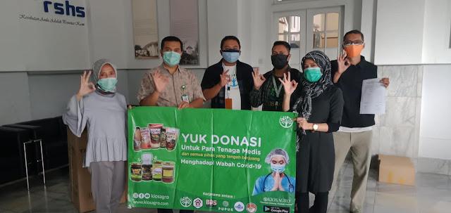 Proses Serah Terima Madu produksi Rumah Madu Indonesia UMKM Kabupaten Bandung Barat di RSHS Bandung