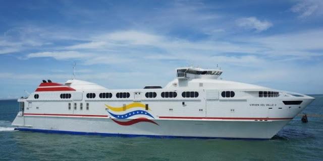 Ferry que estaba a la deriva en altamar zarpó en Guanta