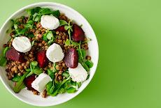 مقبلات | سلطة العدس مع البنجر وجبن الماعز Lentil salad