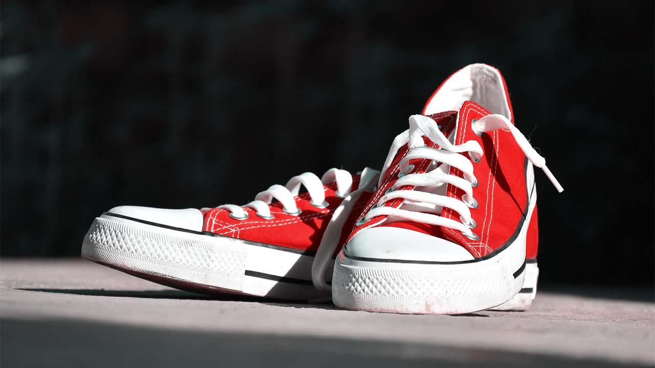 Sepatu Bertali