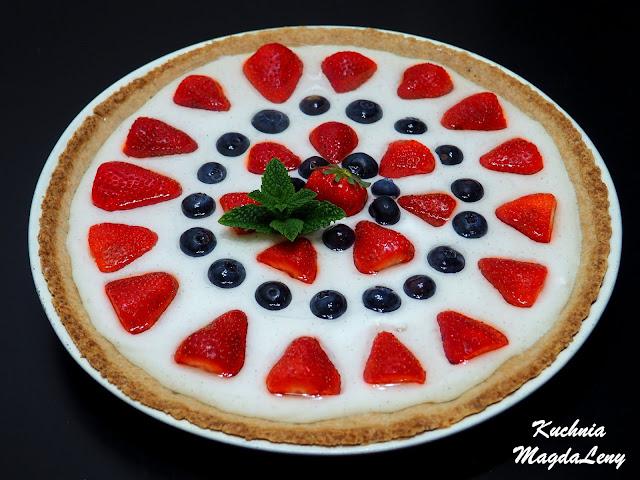 Gryczana tarta z owocami