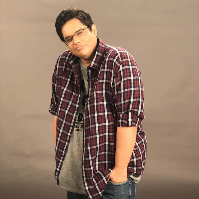 Tanmay Bhat physical appearance