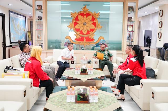 Pangkostrad Terima Kunjungan Ketua Dewan Pembina Federasi Wing Chun Indonesia