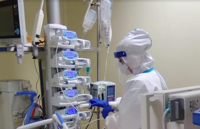 Coronavirus, il bollettino di oggi: 13.571 i nuovi casi e 524 i morti