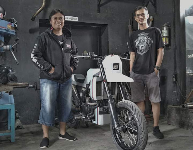 Modifikasi Kawasaki Dtracker 250 RoboBox