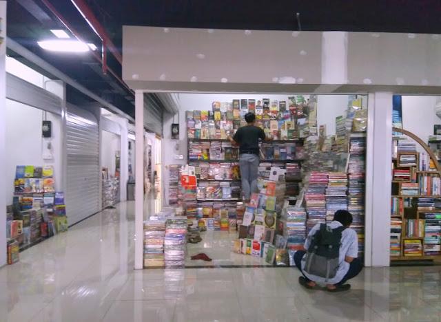 pasar buku bekas di jakarta