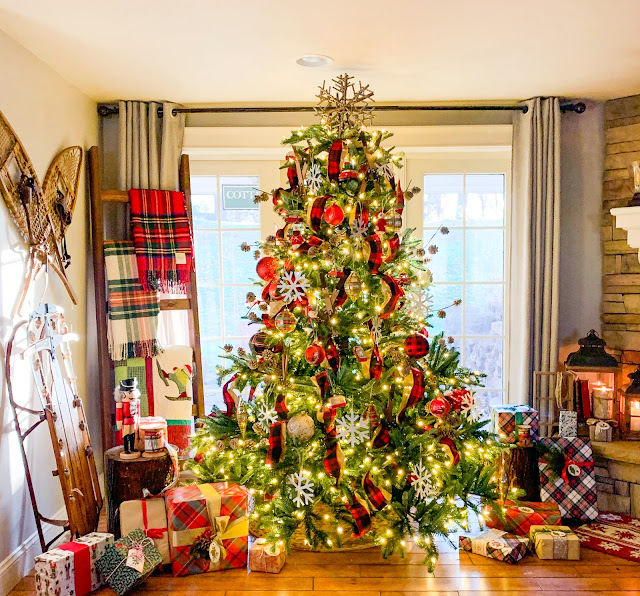 Balsam Hill European Fir Christmas tree with classic Christmas decor - www.goldenboysandme.com