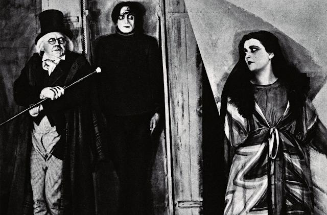 O Gabinete do Dr. Caligari, de Robert Weine, lançado em 1920.