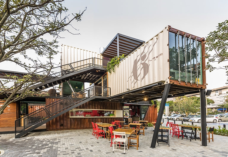 06-Shipping-Container-Architecture-6-Restaurants-in-the-Contenedores-Food-Place-www-designstack-co
