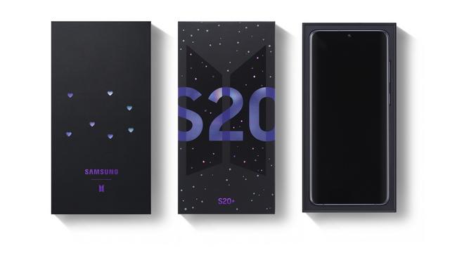 سامسونج تعلن عن نسخة BTS من هاتف Galaxy S20+ وسماعات Galaxy Buds+