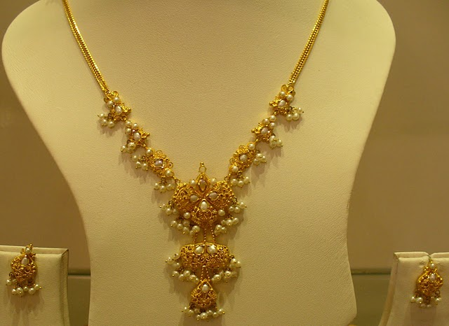Indiangoldesigns Com Beautiful Indian Gold Pearl Necklace