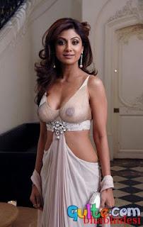 Shilpa Shetty nude bra and big boobs cleavage pics