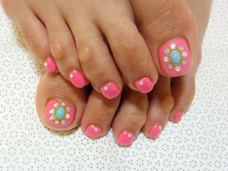 Stylish Pedicure Nail Art Designs for Summer 2012 - Black Star