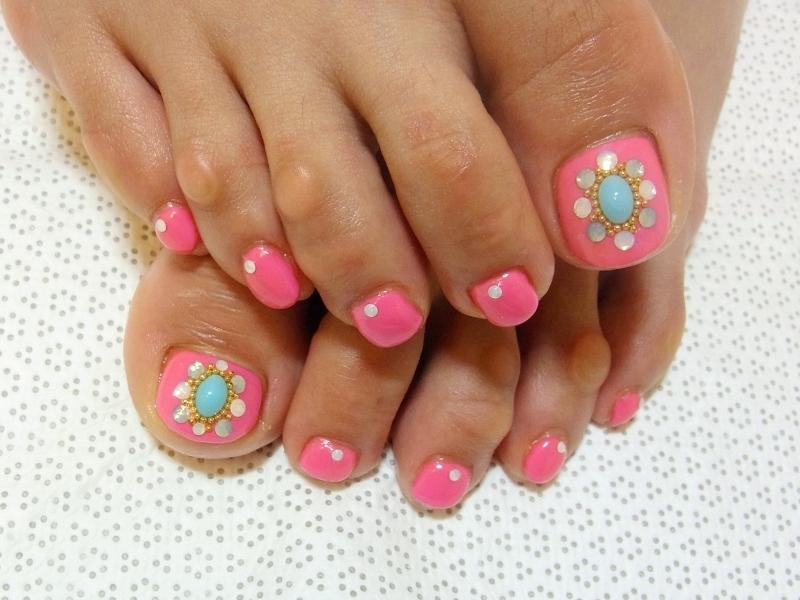 Stylish Pedicure Nail Art Designs for Summer 2012 - Black Star