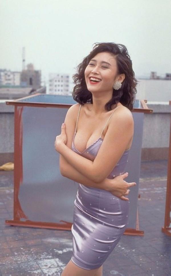 hot-sexi-artist-amy-yip