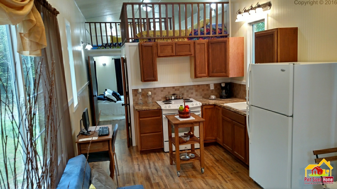Tiny Home Designs: TINY HOUSE TOWN: The Country From Pint Sized Home