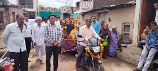 ग्राम जाजमखेड़ी में मनाई तेजा दशमी बाबा रामदेव मंदिर में चढाए कपड़े के घोड़े