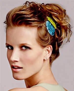Penteados para cabelos curtos passo a passo, fáceis de fazer