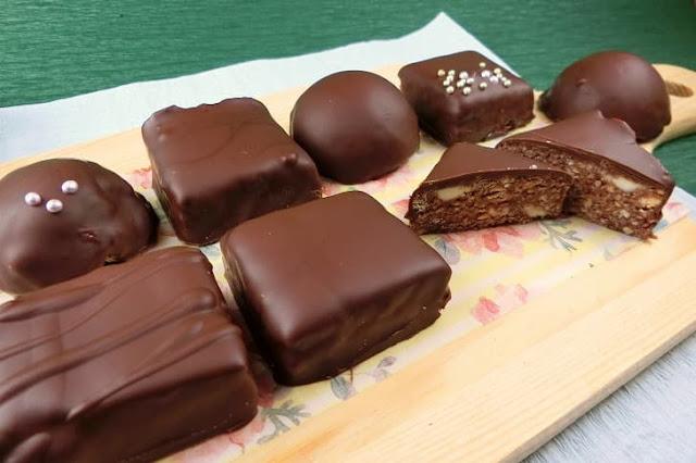 ビスケット生地のラムボールチョコレートの作り方