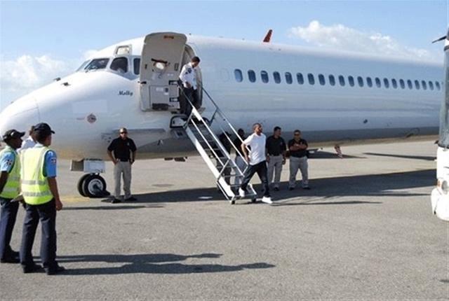 Llegan otros 82 dominicanos deportados de USA