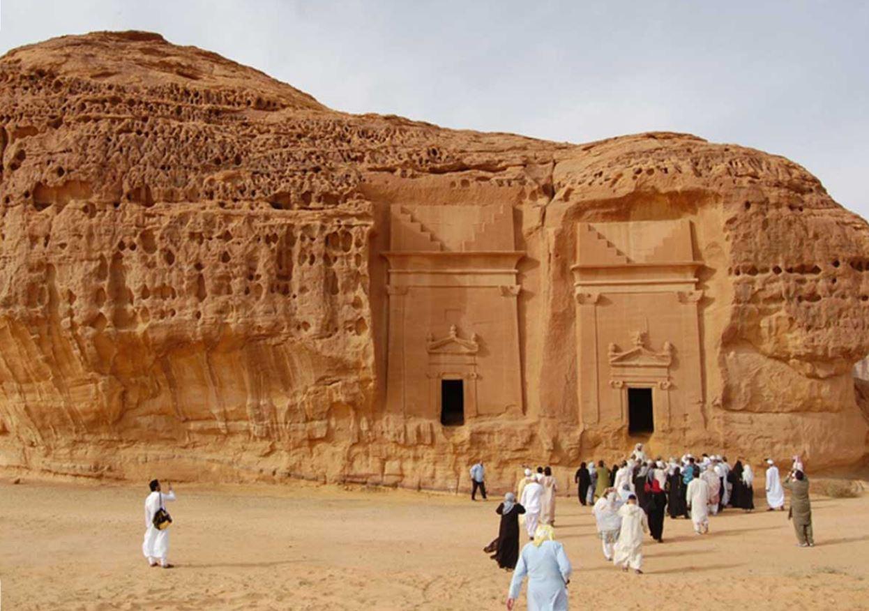 9  اشتراطات للحصول على رخصة الإرشاد السياحي بالسعودية