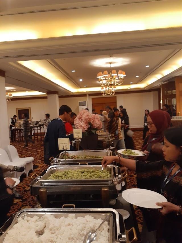 Lunch and Coffe Break at  Hotel Arya Duta