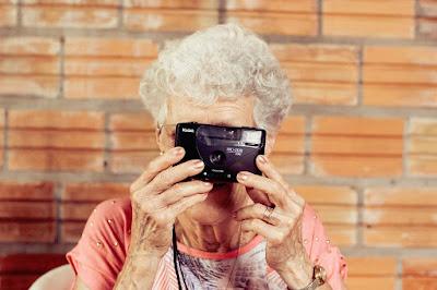 Esperanza de vida, centenarios, abuelas