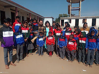 नर सेवा नारायण सेवा की तर्ज पर समाज सेवी प्रफुल तलेरा ने असहाय जरुरतमंद 35 बच्चो को गरम कपडे वितरण किये