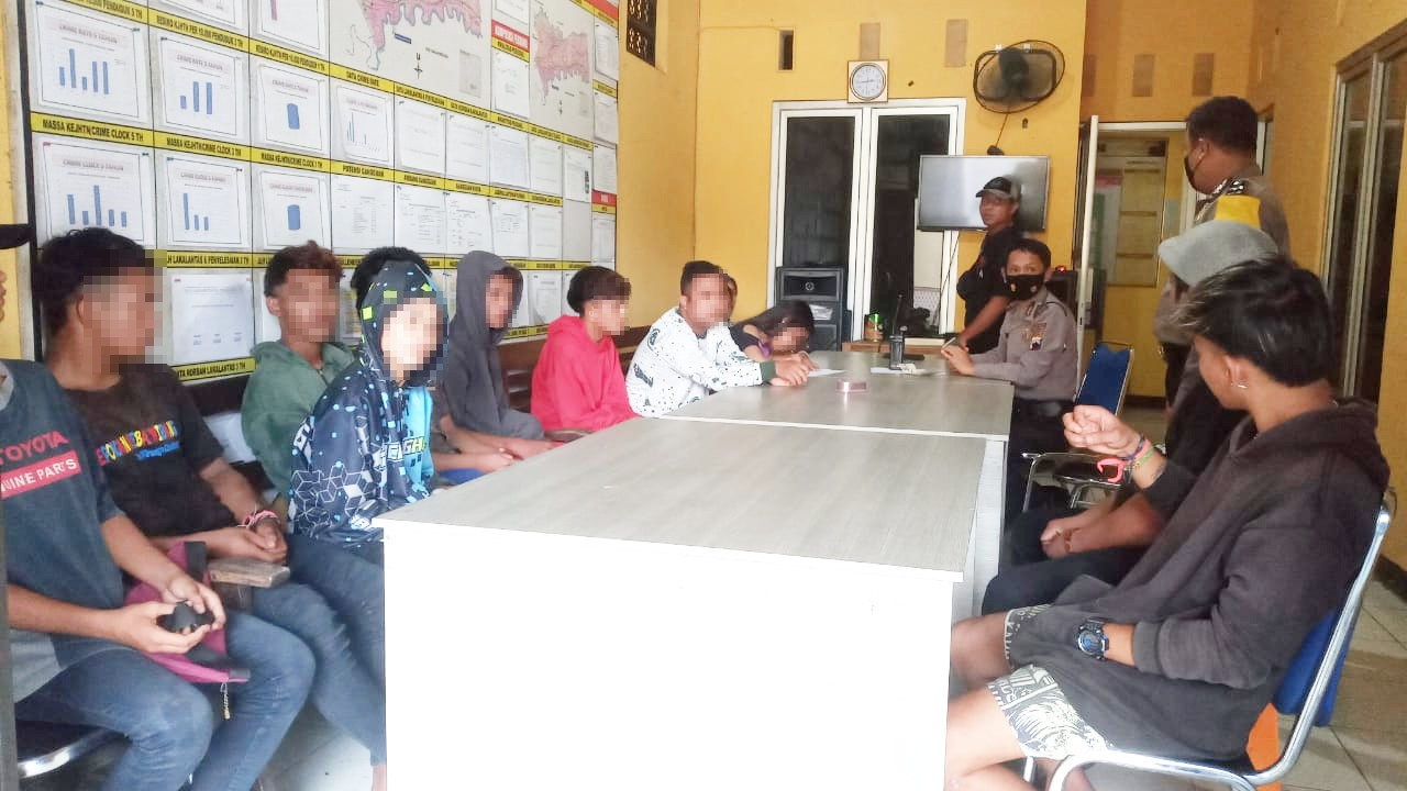 Lagi Asyik Pesta Miras, 13 ABG Penggemar Ciu Diamankan Polisi di Bukateja
