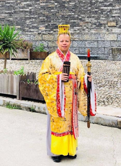 Thầy tu Thích Thanh Cường ăn chơi sa đọa và thích đi du lịch