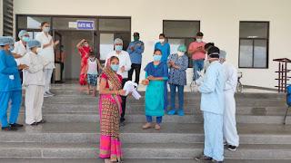 रतलाम मेडिकल कॉलेज से 22 मरीज स्वस्थ होकर अपने घर लौटे