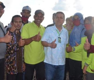 Bupati Serahkan Bantuan Saung Sawah Kepada Kelompok Tani Sawah Tuo Dan GTP