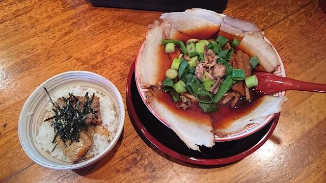 Bセット(チャーシュー麺+ヘタ丼)の写真