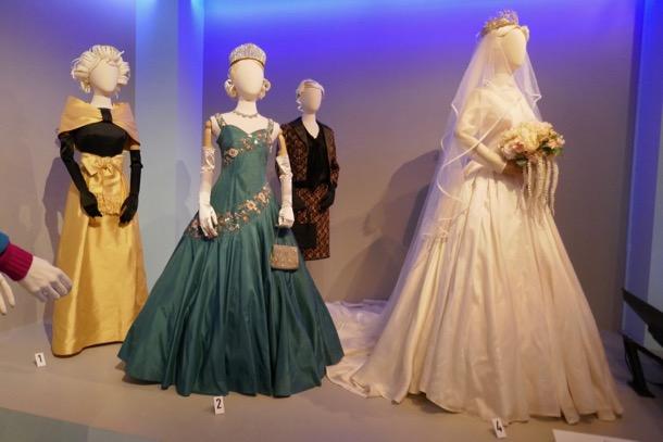 Crown season 2 costumes