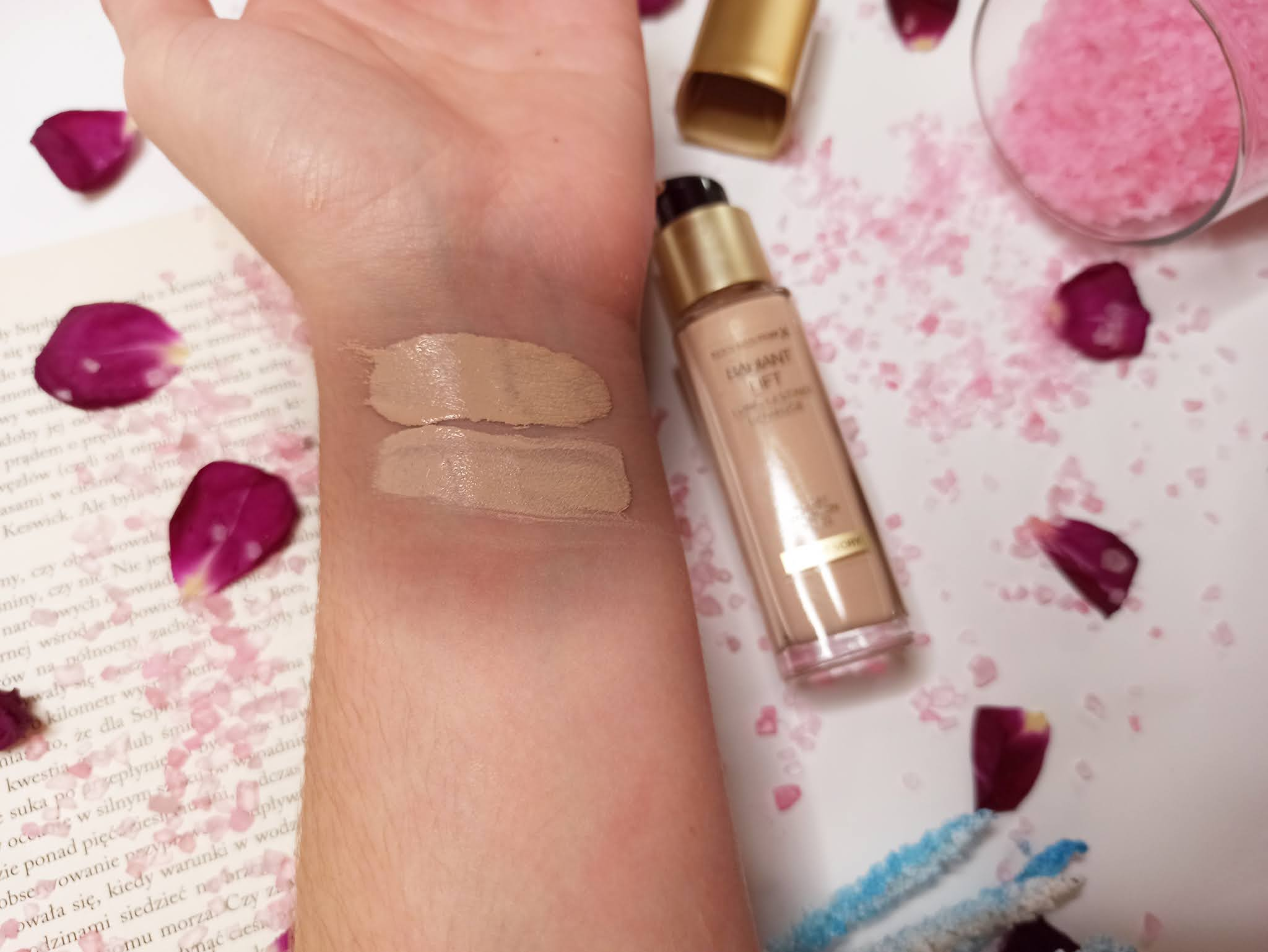 Kolory, odcienie, opinia Max Factor Radiant Lift Lonh