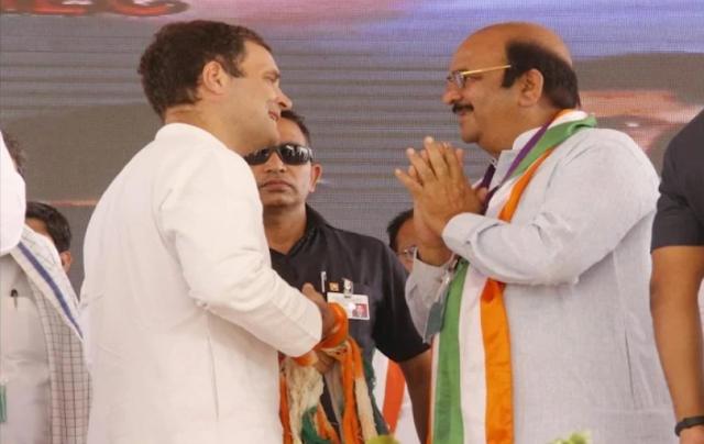 कांग्रेस पार्टी के नेता बदरुद्दीन शेख का निधन, शक्ति सिंह गोहिल ने ट्वीट के जरिए दी जानकारी