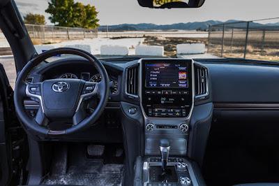 Toyota.Land.Cruiser-Exito-en-Ventas-Interior