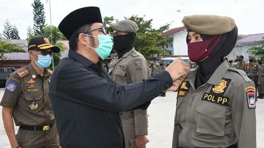 Wawako Hendri Septa Lepas Personil Satpol-PP Ikuti Latihan Berganda