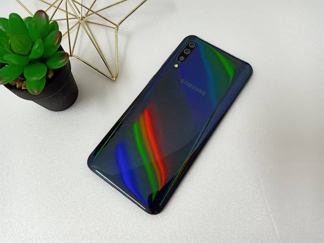 Experience and Review for the Samsung Galaxy A50