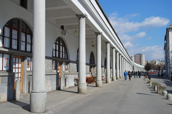ljubljana ljubljanica Plečnik arcades marché central