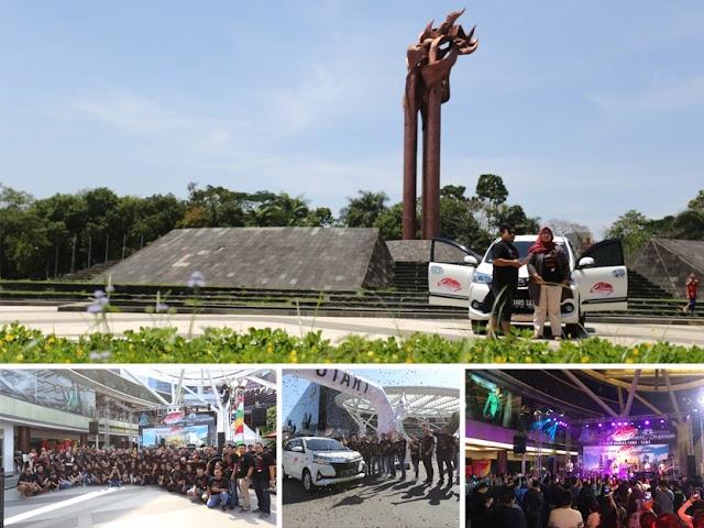 Peserta Avanza-Veloz Sebangsa Sambangi Monumen BLA dan Kiara Artha Park