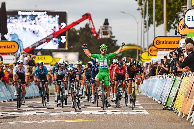 Mark Cavendish venceu a terceira prova este ano do Tour de France